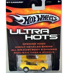 Hot Wheels Ultra 1967 Chevrolet Camaro Convertible