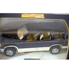 Maisto Ford Series - 1:24 Scale 1992 Ford Explorer SUV