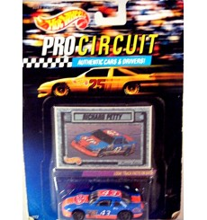 Hot Wheels NASCAR Pro Circuit - Richard Petty STP Pontiac Grand Prix