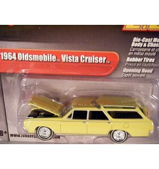 Johnny Lightning 2.0 - 1964 Oldsmobile Vista Cruiser Station Wagon