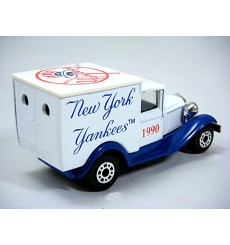 Matchbox - Model A Ford Van - 1990 New York Yankees