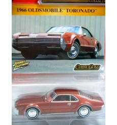Johnny Lightning Classic Gold - 1966 Oldsmobile Toronado