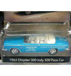 Greenlight Pace Car Garage - 1963 Chrysler 300 Indy 500 Pace Car