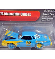 Johnny Lightning 2.0 Series - 1976 Oldsmobile Cutlass Demolition Derby