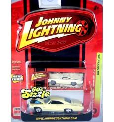 Johnny Lightning 60's Sizzle - 1965 Pontiac Catalina