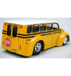 Jada Divco Hot Rod School Bus