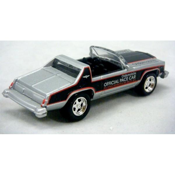 johnny lightning 1978 oldsmobile delta 88 indy pace car global diecast direct. Black Bedroom Furniture Sets. Home Design Ideas