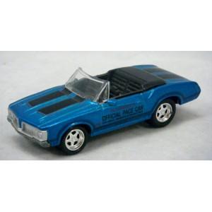 johnny lightning 1970 oldsmobile cutlass indy pace car global diecast direct. Black Bedroom Furniture Sets. Home Design Ideas