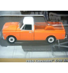 Greenlight Hitch & Tow - 1969 Chevrolet C-10 Pickup Truck & Flatbed Trailer