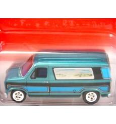 Johnny Lightning 1976 Ford Econoline 150 Custom Van