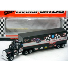 Matchbox NASCAR Super Stars - Dale Earnhardt Goodwrench Racing Team Transporter