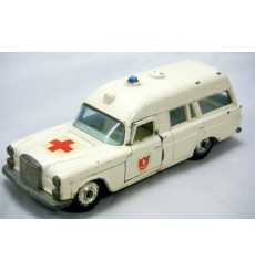 "Matchbox - Mercedes-Benz ""Binz"" Ambulance -Transitional Superfast"
