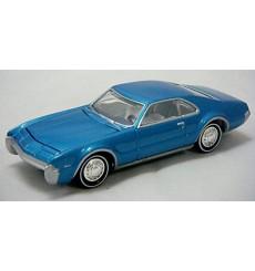 Johnny Lightning Sixties Sizzle 1967 Oldsmobile Toronado