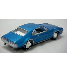 Johnny Lightning Sixties Sizzle 1967 Oldsmobile Toronado