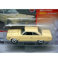 Johnny Lightning 1967 Plymouth GTX Convertible
