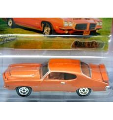 Johnny Lightning - Classic Gold - 1971 Pontiac GTO