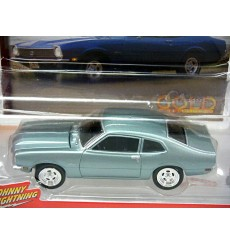 Johnny Lightning R2- Classic Gold - 1975 Ford Maverick