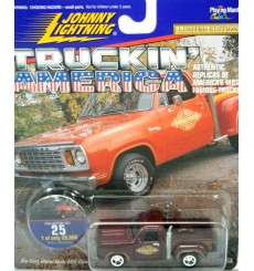 Johnny Lightning Truckin' America - 1978 Dodge Lil Red Express Pickup Truck