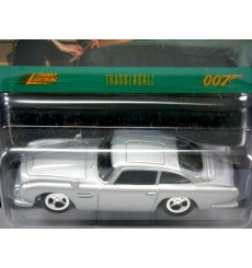 Johnny Lightning - James Bond - Thunderball - 1964 Aston Martin DB4