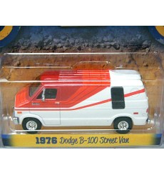 Greenlight Country Roads - 1976 Dodge B-100 Street Van