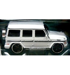 Maisto - Tow & Go - Mercedes G Wagon Luxury Transport Set