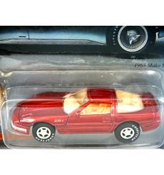 Johnny Lightning 1995 Chevrolet Corvette ZR1