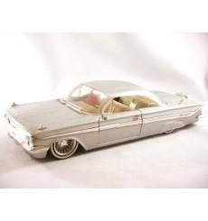 Jada 1961 Chevolet Impala Lowrider (1:24 Scale)