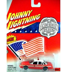 Johnny Lightning American Heroes - Ford Crown Victoria Fire Chief Car