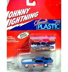 Johnny Lightning Classic Plastic Series - Boss Hoss NHRA Ford Mustang