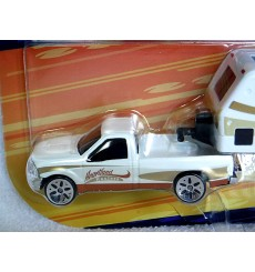 Maisto Heartland Haulers -Ford F-150 and RV Camper