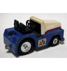 Tomica - Toyota Towing Tractor - American Airlines