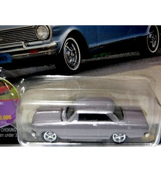 Johnny Lightning Muscle Cars USA - 1965 Chevy Nova SS