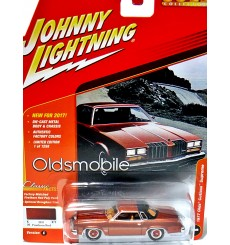 Johnny Lightning Classic Gold: 1977 Oldsmobile Cutlass Supreme