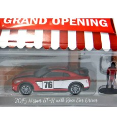 Greenlight Hobby Shop - Nissan GT-R with Race Car Driver