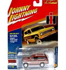 Johnny Lightning Classic Gold - 1979 International Scout II