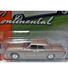 Johnny Lightning Classic Gold - 1961 Lincoln Continental