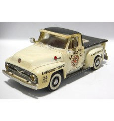 Matchbox Collectibles 1955 Ford F00 Santa Fe Pickup Truck