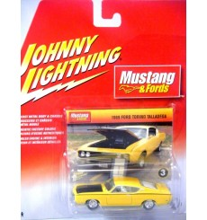 Johnny Lightning 1969 Ford Torino Talledega