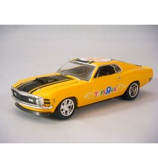 M2 Machines Holiday Issue 1970 Ford Mustang Mach 1 351 Cleveland