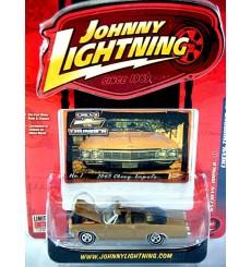 Johnny Lightning Chevy Thunder - 1965 Chevrolet Impala Convertible