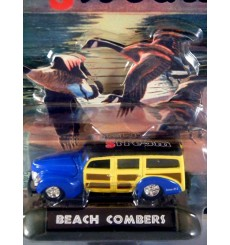 Racing Champions Field and Stream - 1940 Ford Woodie Station Wagon - Beach Combers