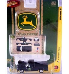 Johnny Lightning - John Deere - 1951 Studebaker Pickup Truck
