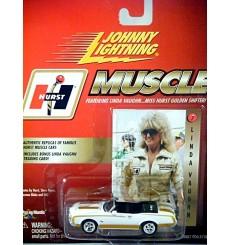 Johnny Lightning: 1972 Hurst Oldsmobile 442 Convertible