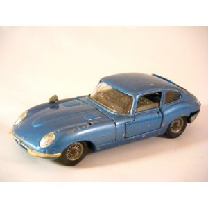 Corgi Junkyard -(335A-2) Jaguar E-Type 2+2