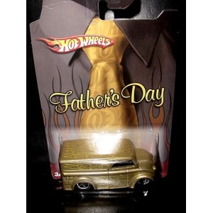 Hot Wheels Happy Fathers Day Divco Dairy Delivery Milk Truck