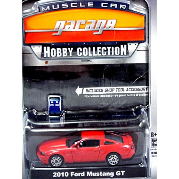 Greenlight Muscle Car Garage Hobby Collection 2010 Ford Mustang Gt