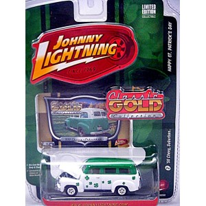 Johnny Lightning Classic Gold Irish Shamrock 1950 Chevrolet Suburban