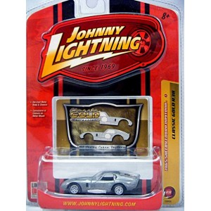 Johnny Lightning Classic Gold - 1965 Shelby Cobra Daytona Coupe