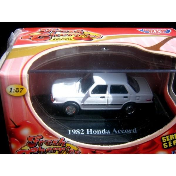 Motor Max Fresh Cherries HO Scale 1982 Honda Accord - Global Diecast Direct