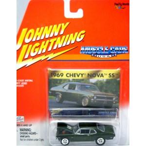 Johnny Lightning Muscle Cars USA - 1972 Chevy Nova